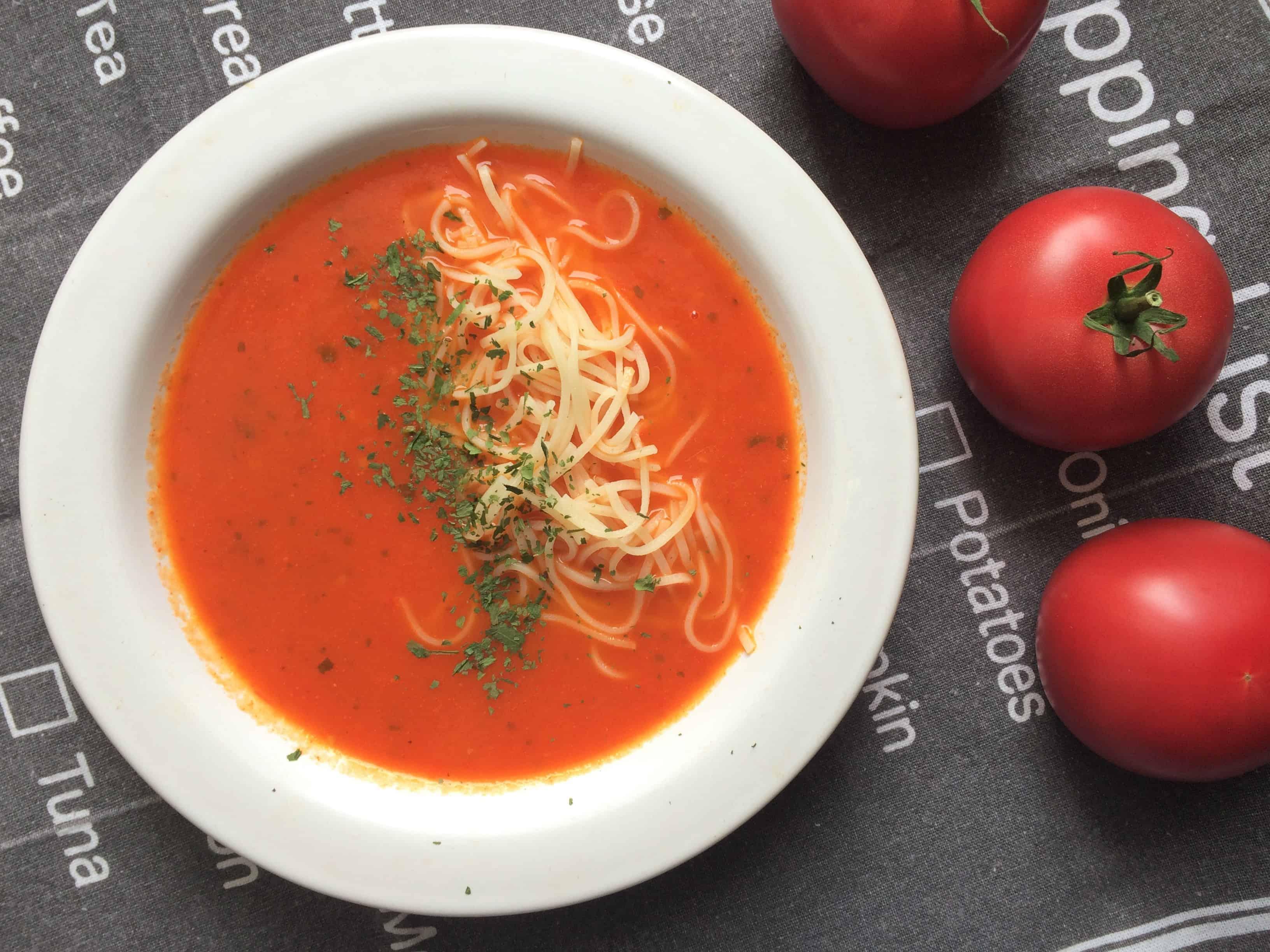 zupa pomidorowa z pomidorami