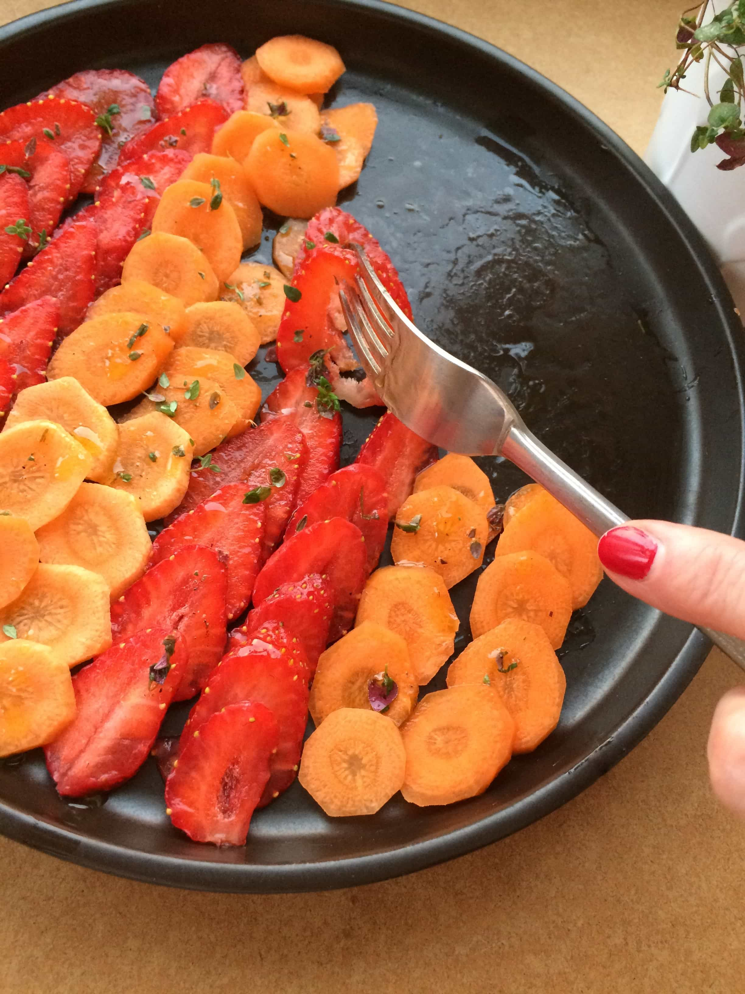 Carpaccio z marchewki z truskawka - Flavour Avenue